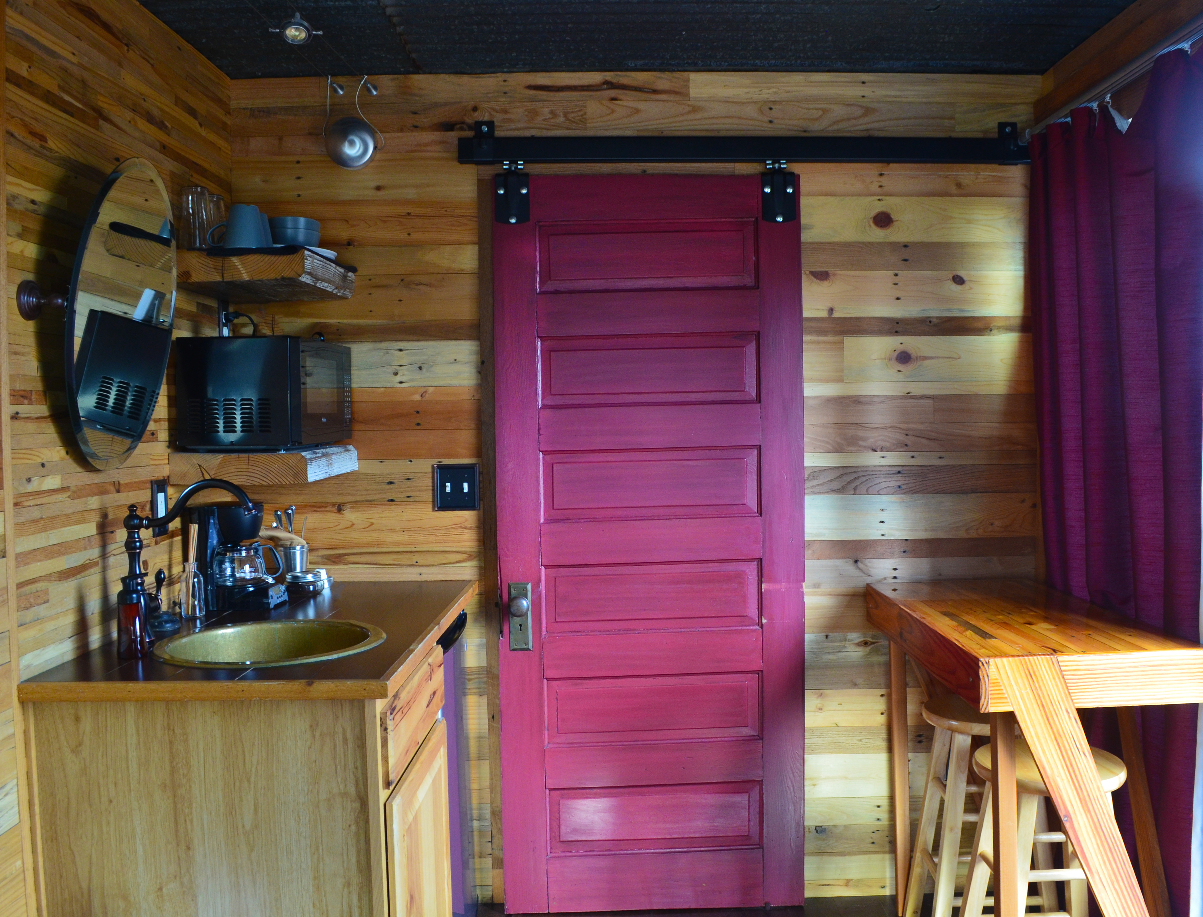onlinechange hot with ga mountain pet in friendly rental tubs georgia cabins dahlonega interior info